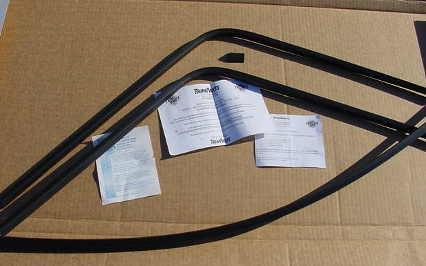NEW Rear window trim 68 69 70 Road Runner GTX